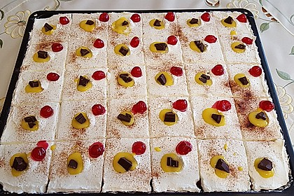 Kirsch - Eierlikör - Blechkuchen mit Schmand - Sahne 15