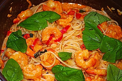 Pasta mit Knoblauch - Tomaten - Shrimps