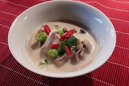 Tom Kha Gai - die berühmte Hühnersuppe mit Kokosmilch und Galgant 36
