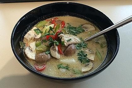 Tom Kha Gai - die berühmte Hühnersuppe mit Kokosmilch und Galgant 30