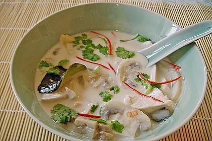 Tom Kha Gai - die berühmte Hühnersuppe mit Kokosmilch und Galgant 8