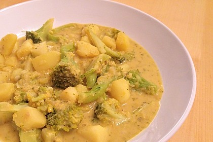 Kartoffel-Brokkoli-Curry mit Kokosmilch 47