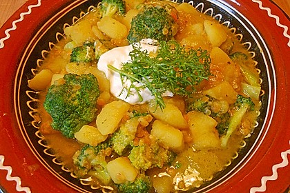 Kartoffel-Brokkoli-Curry mit Kokosmilch 4