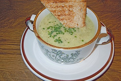 Zucchini - Kartoffel - Knoblauchsuppe 26