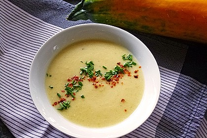 Zucchini - Kartoffel - Knoblauchsuppe 2