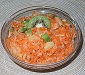 Möhrenfrischkost mit Früchten (Bild)