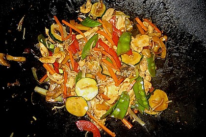 Gebratenes Gemüse mit Hähnchen - Pad Pak Gai 6