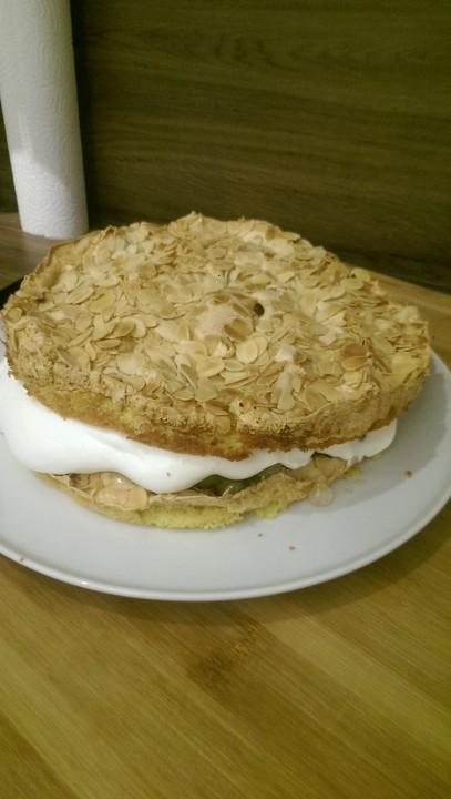 Stachelbeer Baiser Torte Von Flachmotte Chefkoch De