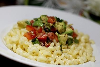 Pasta Mexicana mit Avocado-Tomaten-Sauce 1