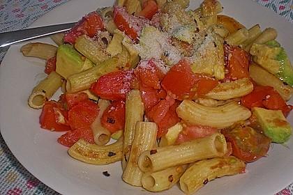 Pasta Mexicana mit Avocado-Tomaten-Sauce 9