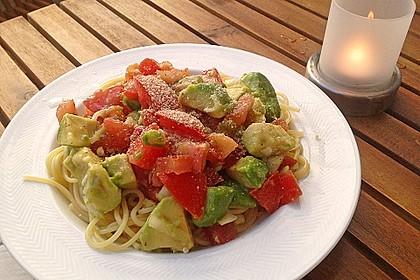 Pasta Mexicana mit Avocado-Tomaten-Sauce 4