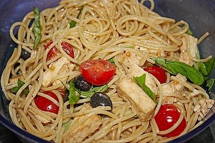 Italienischer Spaghettisalat mit Mozzarella 7