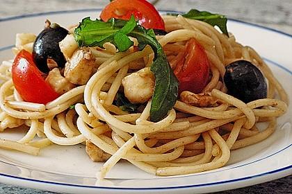 Italienischer Spaghettisalat mit Mozzarella 1