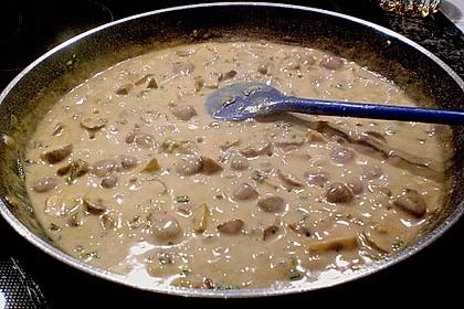 Schweinemedaillons im Parmaschinkenmantel mit Steinpilz - Gorgonzola - Sauce 72