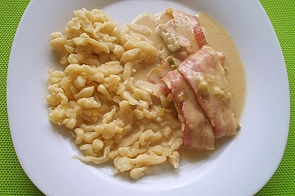 Schweinemedaillons im Parmaschinkenmantel mit Steinpilz - Gorgonzola - Sauce 66
