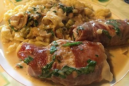 Schweinemedaillons im Parmaschinkenmantel mit Steinpilz - Gorgonzola - Sauce 54