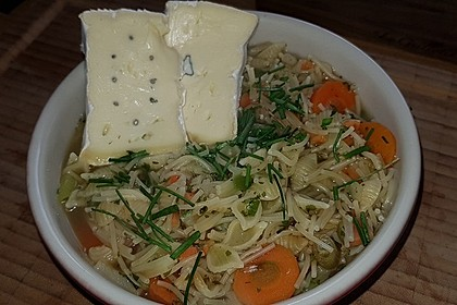 Pikante Nudelsuppe