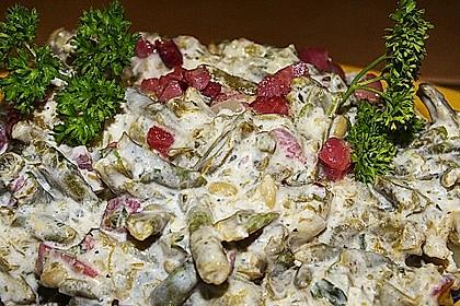 Bohnensalat mit saurer Sahne und Speck 11