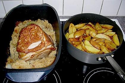 Schweinekrustenbraten auf Sauerkraut 3