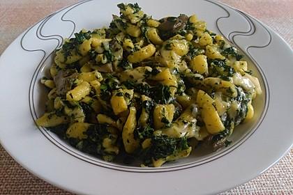 Käse - Kräuter - Nudeln mit Spinat und Champignons 2
