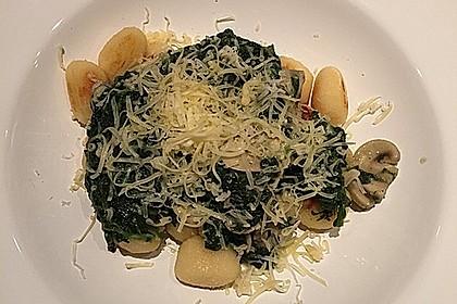 Käse - Kräuter - Nudeln mit Spinat und Champignons 3