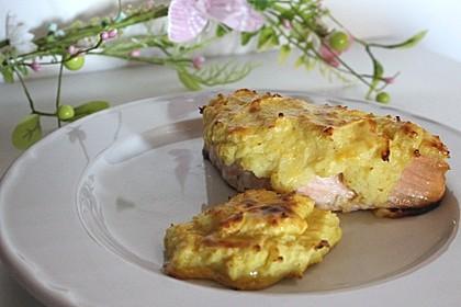 Lachs mit Kartoffelhaube (Bild)