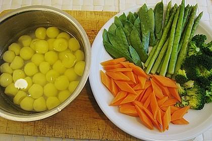 Skreifilet auf der Haut gebraten mit Kapernjus und einer Gemüsevariation 8