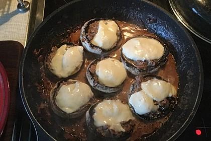 Illes leicht gefüllte Champignonköpfe auf Ofenkartoffeln 40