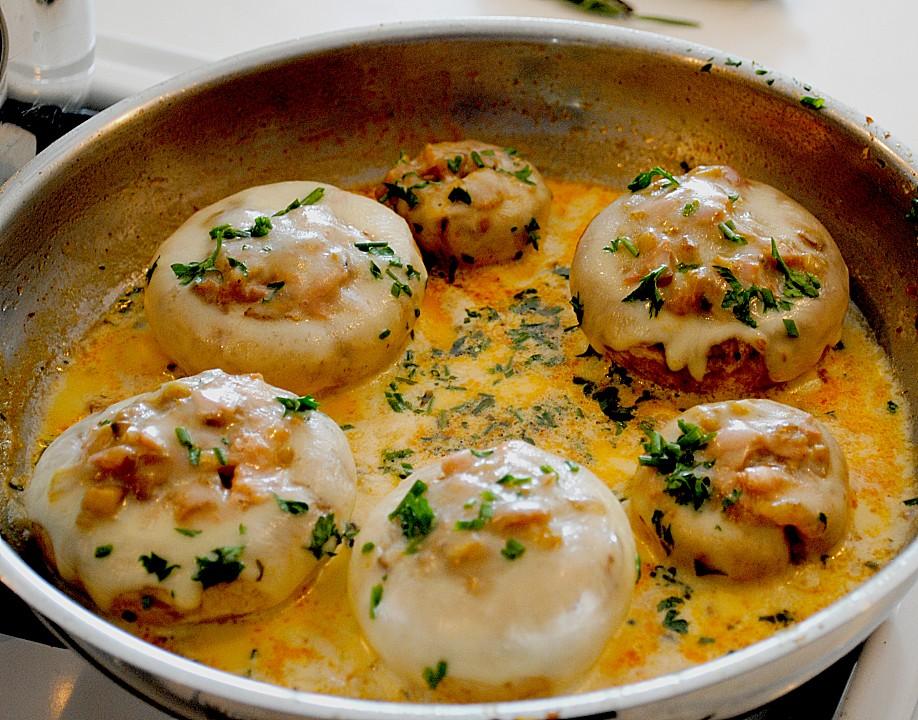 Illes leicht gefüllte Champignonköpfe auf Ofenkartoffeln von ...