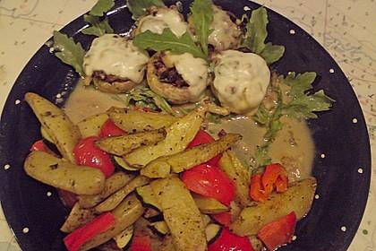 Illes leicht gefüllte Champignonköpfe auf Ofenkartoffeln 38