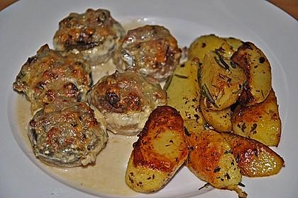 Illes leicht gefüllte Champignonköpfe auf Ofenkartoffeln 9