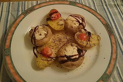 Illes leicht gefüllte Champignonköpfe auf Ofenkartoffeln 4