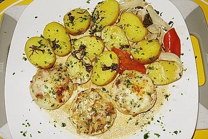 Illes leicht gefüllte Champignonköpfe auf Ofenkartoffeln 25