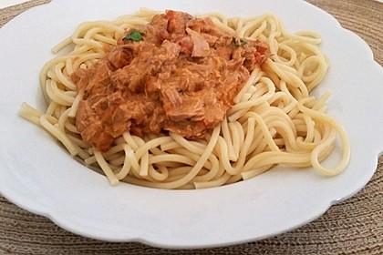 Nudeln in leichter, sämiger Thunfisch-Tomaten-Käse Sauce 85