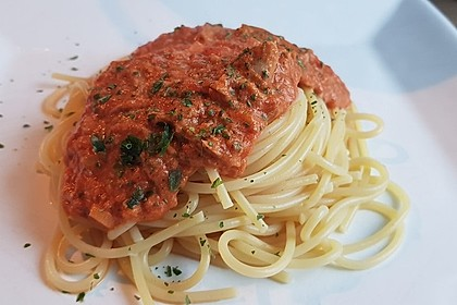 Nudeln in leichter, sämiger Thunfisch-Tomaten-Käse Sauce 6