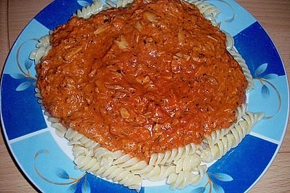 Nudeln in leichter, sämiger Thunfisch-Tomaten-Käse Sauce 43