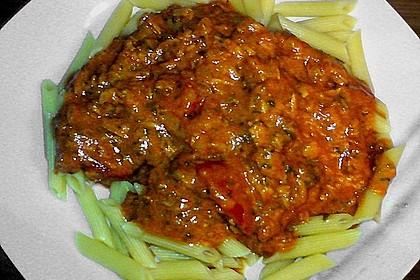 Nudeln in leichter, sämiger Thunfisch-Tomaten-Käse Sauce 115