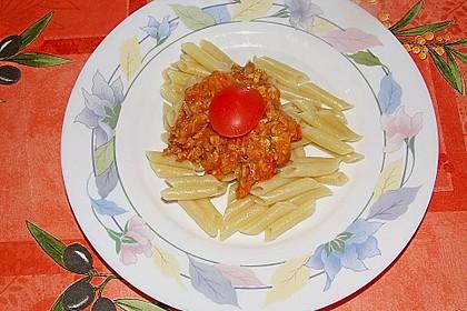 Nudeln in leichter, sämiger Thunfisch-Tomaten-Käse Sauce 77