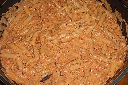 Nudeln in leichter, sämiger Thunfisch-Tomaten-Käse Sauce 20
