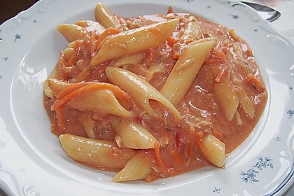 Nudeln in leichter, sämiger Thunfisch-Tomaten-Käse Sauce 123