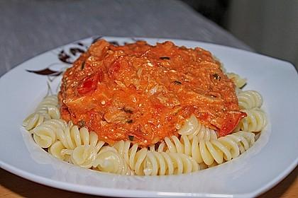 Nudeln in leichter, sämiger Thunfisch-Tomaten-Käse Sauce 18