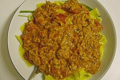 Nudeln in leichter, sämiger Thunfisch-Tomaten-Käse Sauce 126