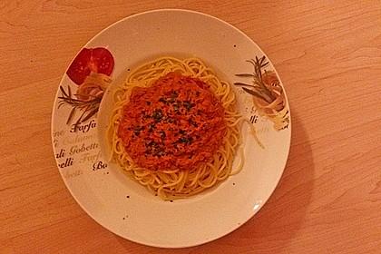 Nudeln in leichter, sämiger Thunfisch-Tomaten-Käse Sauce 118