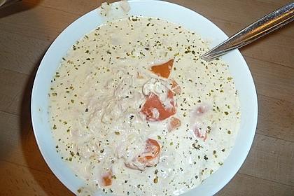Nudeln in leichter, sämiger Thunfisch-Tomaten-Käse Sauce 125
