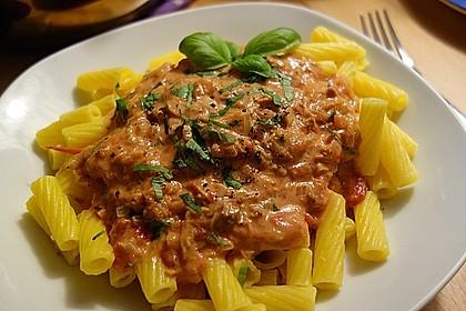 Nudeln in leichter, sämiger Thunfisch-Tomaten-Käse Sauce 3