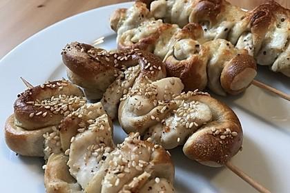 Grillspieß mit Huhn und Brezenteig 15