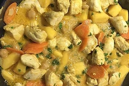Hühnchen - Curry mit Kichererbsen und Mangostücken (Bild)