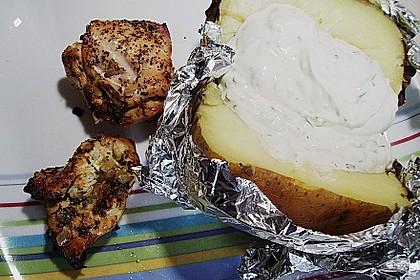 Gefüllte Hähnchenbrustfilets mit Folienkartoffeln und Kräuterquark 2