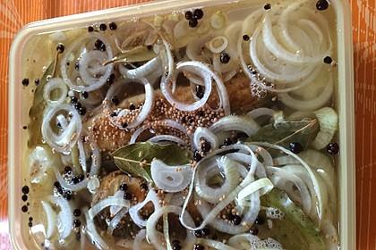 Makrele, sauer eingelegt