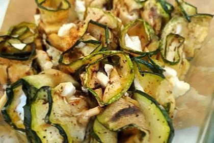 Zucchiniröllchen mit Schafskäse oder Mozzarella 3